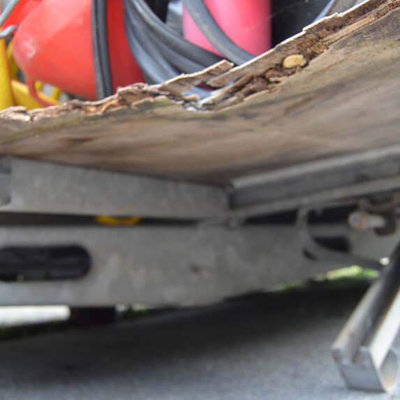 Schaden Unterboden Wohnwagen Gutachter